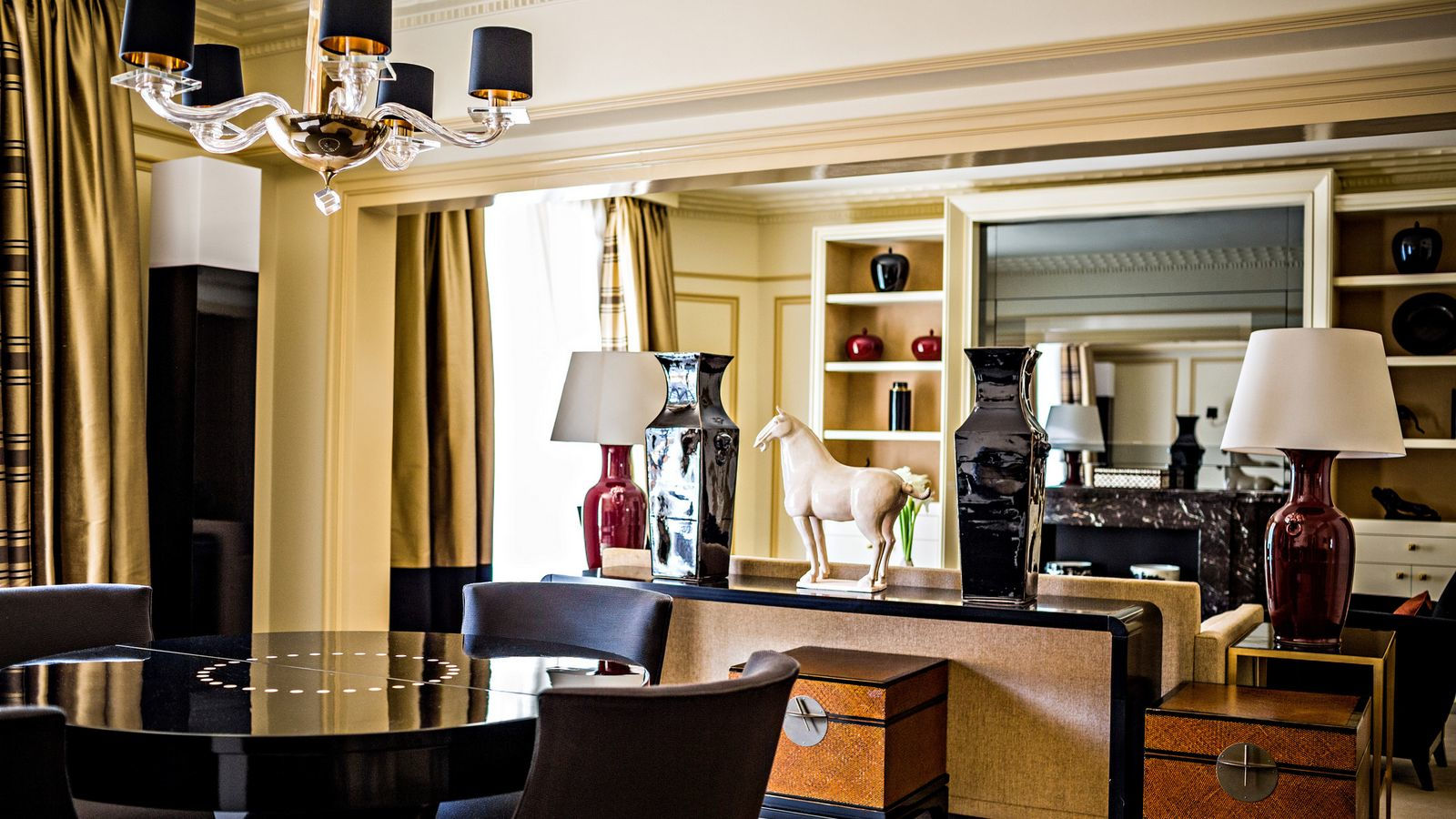 Prince de Galles Suite Saphir in Prince de Galles, Paris